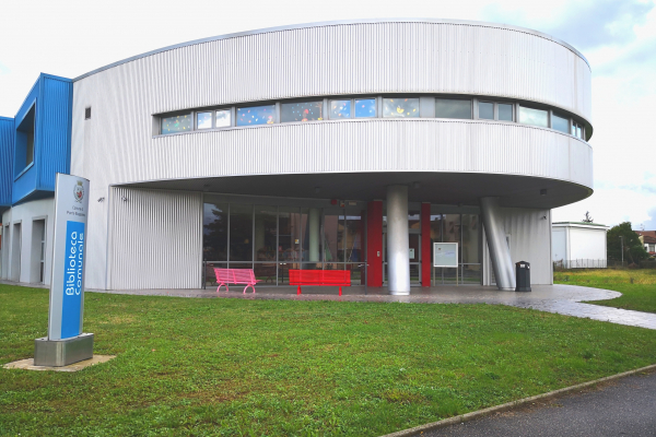 Biblioteca comunale, esterno